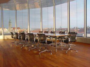 Arbeitnehmer brauchen das natürliche Element Tageslicht. Foto: Bundesverband Sonnenschutztechnik/Gerstmann