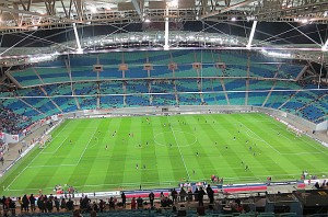 Damris neue Spielstätte - die Red Bull Arena Leipzig, die anlässlich der Fußball-Weltmeisterschaft 2006 direkt in das alte Leipziger Zentralstadion hineingebaut wurde. Foto: oepb.at