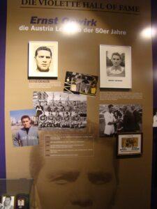 Ernst Ocwirk Wand im Austria Museum. Foto: oepb.at