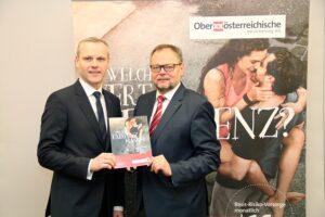 Vorstandsdirektor Mag. Othmar Nagl (links) und Generaldirektor Dr. Josef Stockinger bei der Vorstellung der neuen ExistenzKasko©. Foto: OÖ-Versicherung