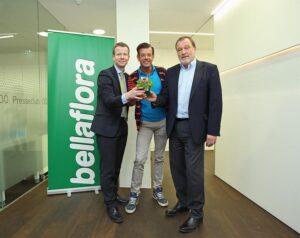 V.l.: DDr. Paul Eiselsberg (IMAS International), Karl Ploberger (Biogärtner und Autor), Mag. Alois Wichtl (Geschäftsführer bellaflora). Foto: bellaflora/APA-Fotoservice/Hartl