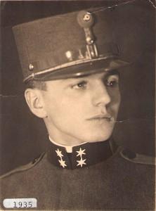 Carl Szokoll gehörte zu den Jahrgangs-Besten der Militärakademie in Wiener Neustadt. Hier 1935. Foto: privat