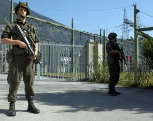 Im Moment Übung und hoffentlich nie Realität - Soldaten sichern ein Umspannwerk. Foto: Bundesheer/Kugelweis