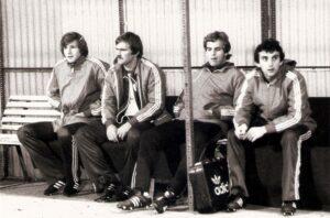 Selten, aber doch auf der Ersatzbank. V.l.: Karl Hodits, Gerald Haider, Kurt Kaiserseder und Fritz Drazan während der Saison 1979/80.  Foto: Sammlung oepb