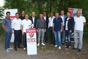 Einst erfolgreiche Spieler, heute erfolgreiche Trainer? Man wird sehen. Im Bild von links: Ivica Vastic (SV Mattersburg), Helgi Kolvidsson (SV Ried), dahinter Peter Schöttel (SV Grödig), Dietmnar Kühbauer (Wolfsberger AC) BL-Präsident Hans Rinner, Damir Canadi (SCR Altach), Zoran Barisic (SC RAPID Wien), Thorsten Fink (FK Austria Wien), Ernst Baumeister (Admira/Wacker), BL-Vorstand Christian Ebenbauer, Franco Foda (SK Sturm Graz) und Peter Zeidler (FC RedBull Salzburg); Foto: Bundesliga