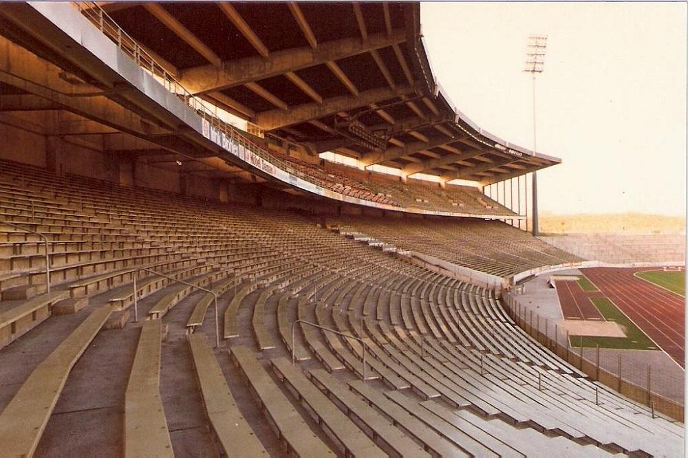 verschwundene kultst tten es war einmal ein stadion redaktion sterreichisches presseb ro. Black Bedroom Furniture Sets. Home Design Ideas