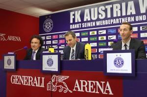 v.l.: Vize-Präsident Raimund Harreither, AG-Vorstand Markus Kraetschmer und Ex-Kapitän Manuel Ortlechner. Foto: FK Austria Wien