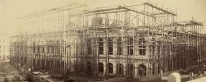 Opernring: Bau der Oper von der Opernkreuzung aus gesehen im Jahre 1865. Foto: Andreas Groll / WIEN MUSEUM