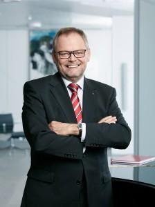 """OÖ-Versicherung-Generaldirektor Dr. Josef Stockinger freut sich, dass seine """"Keine Sorgen""""-Versicherung einmal mehr die Nase vor dem Mitbewerb hat. Foto: OÖ-Versicherung"""