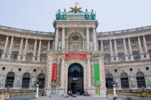 Blick auf die Österreichische Nationalbibliothek am Heldenplatz in Wien. Foto: ÖNB