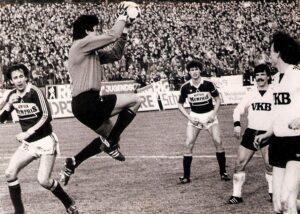 LASK gegen Austria, (1 : 4) am 24. März 1984, Linzer Stadion, 15.000 Zuschauer. V.l.: Tibor Nyilasi, Josef Schröttner, Toni Polster, Gert Trafella und Klaus Dantlinger. Foto: Erwin H. Aglas, oepb