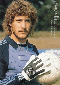 Autogrammkarte Toni Schumacher im Dress des 1. FC Köln, Saison 1981/82. Sammlung oepb