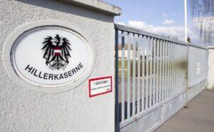 Die Militärische Nutzung des Österreichischen Bundesheeres der Hiller-Kaserne zu Linz-Ebelsberg ist mit dem heutigen Tage nach 61jähriger Nutzung beendet. Foto: Bundesheer / Simader