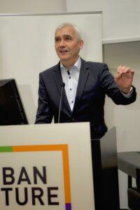 """""""Wir brauchen die Demokratisierung des Umweltschutzes!"""" - so referierte Robert Schild, Habitat Manager Saint-Gobain auf der Urban Future Global Conference in Graz. Foto: Saint-Gobain/Thomas Traub"""