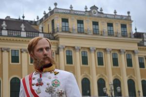 Anlässlich der Sonderausstellung zum 100. Todestag von Kaiser Franz Joseph kehrte der langjährige Regent am 14. April 2016 wieder an seine alte Wirkungsstätte, dem Schloß Schönbrunn, zurück.