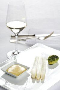 Spargel mit Sauce Hollandaise. Guten Appetit. Foto: ÖWM / Ulli Kohl