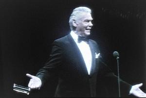 So kannte und liebte ihn sein Publikum: Heinz Conrads stand stets humorvoll und gut gekleidet im Smoking auf der Bühne