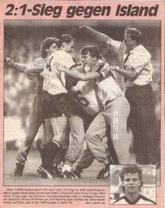 Faksimile KURIER vom 24. August 1989. Österreich schlägt Island mit 2 : 1.