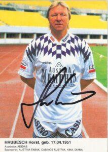 Horst Hrubesch-Autogrammkarte als Trainer beim FK Austria Wien, Saison 1995/96. Sammlung: oepb