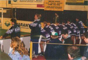 Am Rande der Bande: Als Trainer mit dem FK Austria Wien beim Hallenturnier in Danzig am 21. Jänner 1996. Foto: oepb
