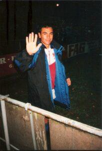 Auch der mexikanische Weltklasse-Fußballer Hugo Sanchez war zu Gast am Voith-Platz. Hier mit dem FC Linz nach einem 7 : 1-Erfolg am 18. Oktober 1995. Foto: oepb
