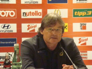 Didi Constantini in seiner Eigenschaft als ÖFB-Teamchef im Jahre 2010. Foto: oepb