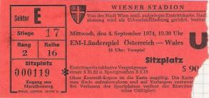 Matchkarte vom 4. September 1974. Österreich schlug Wales im Wiener Stadion vor 35.000 Zuschauern im Rahmen der EM-Qualifikationsgruppe 2 mit 2 : 1. Sammlung: oepb