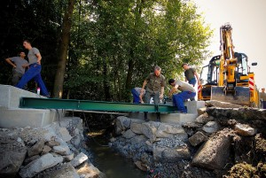 Die Behelfsbrücke in Schwertberg-Winden ist seit 3. August 2016 für Fahrzeuge mit bis zu 30 Tonnen befahrbar. Foto: BMLVS / Vzlt Anton MICKLA