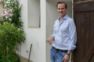 Winzer Johannes Gruber präsentiert Kamptal-Weine auf eine ganz neue Art. Foto: Wine & Partners