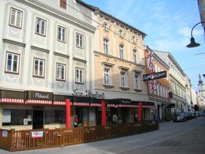Seit 1929 am gleichen Standort - die Linzer Konditorei Jindrak in der Herrenstrasse Nr. 22. Foto: oepb
