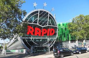 Um ein neues Stadion zu bekommen, dafür mauerten RAPID-Anhänger vor einigen Jahren sogar die Geschäftsstelle zu. Sie wurden erhört, die neue Hütte ist da. Futuristisch, pompös, RAPID-gerecht. Foto: oepb