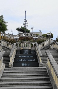 Die großzügig angelegte Treppe ist natürlich nach wie vor begehbar. Foto: oepb
