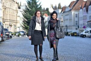 Petra Wiesner (links) ist die Nachfolgerin von Daniela Limberger (rechts) im Verein Steyr lebt! Foto: Kreil