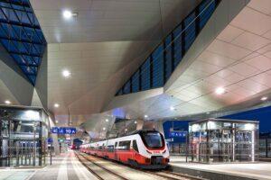 Blick auf eine ÖBB-Talent 3-Garnitur am Wiener Hauptbahnhof. Foto: Bombardier