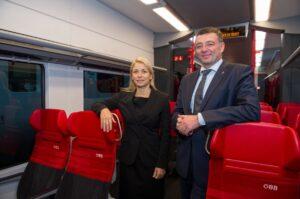 ... dass 64 neue Garnituren der Cityjet-Züge in den nächsten Jahren für die Fahrgäste und Pendler zur Verfügung stehen werden. Beide Fotos: ÖBB Zenger