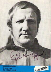 Alfred Günthner als Trainer beim SK VÖEST Linz im Sommer 1976. Autogrammkarte/Sammlung oepb