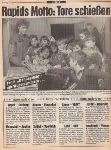 Auch Toni Polster ließ es sich nicht nehmen, seinen jungen Anhängern für die emsige Unterstützung während dieser Wahl zu danken. Faksimile Kronen Zeitung 15. März 1985