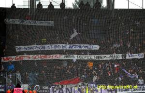 Die Fan-Gruppen des FK Austria Wien gedachten am 18. Februar 2017 beim triumphalen 4 : 0-Auswärtserfolg über den SK Sturm Graz an diesen großartigen Künstler der österreichischen Musik-Geschichte ...