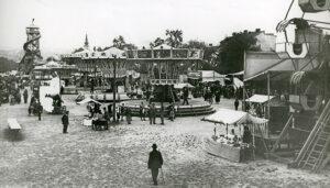 Blick auf den Urfahraner Frühjahrsmarkt des Jahres 1926. Foto: NORDICO