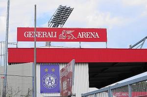Die Generali-Versicherung, die sich in Umbau befindliche Generali-Arena und der FK Austria Wien, zwei starke Partner schreiten einträchtig in die Zukunft. Foto: oepb