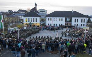153 Jung-Männer des MilKdos OÖ wurden vergangene Woche in Rohr im Kremstal zu Soldaten angelobt. Foto: Bundesheer / Simader