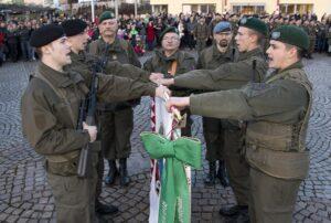 Euphorisch und lautstark wurde der Republik Österreich das Treugelöbnis geschworen. Foto: Bundesheer / Simader