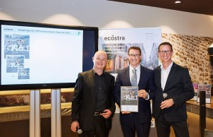 WIEN MITTE The Mall belegt 1. Platz im Shopping Center Performance Report 2017. V.l.: Dr. Joachim Will (ecostra), Florian Richter (The Mall), Mag. Hannes Lindner (Standort+Markt); Foto: WIEN MITTE The Mall