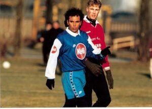 Nach Superstar Willi Kreuz (1978 bis 1982) hauchte Weltstar Hugo Sanchez von September 1995 bis Mai 1996 kurzzeitig dem bereits am Sterbebett liegenden FC Linz noch einmal frischen Lebensmut ein. Foto: oepb