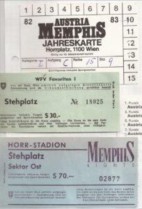 Violette Einrittkarten im Wandel der Zeit. Oben eine Dauerkarte von 1982/83, darunter eine Stehplatzkarte der Horr-Platz-Premiere vom 26. August 1973 (4 : 1-Erfolg über die Vienna) und unten eine Osttribünen-Karte vom Herbst 1994. Sammlung: oepb