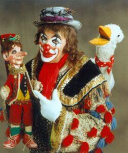 Clown Habakuk (Arminio Rothstein) mit Kasperl und Mimi, 1985. Foto:  ORF / Andreas Friess