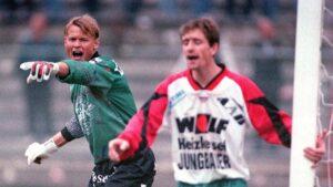 Im Herbst 1995 stand Alexander Manninger (links) beim SK Vorwärts Steyr zwischen den Pfosten. Die Oberösterreicher spielen damals noch im Oberhaus. Foto: GEPA