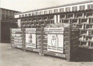 """Blick auf die Altglascontainer hierzulande in den späten 1970er Jahren. Das Ergebnis hat sich in diesen 40 Jahren verachtfacht. Und - wie es so schön heißt - """"Es ist noch Luft nach oben da!"""" Foto: AGR"""
