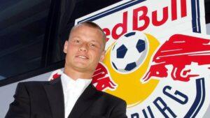 Die Rückkehr nach Salzburg dauerte nur eine Spielzeit. 2005/06 stand Alexander Manninger bei Redbull Salzburg unter Vertrag. Da damals dort jedoch Fototermine vor dem Spieltag und diverse Marketing-Verpflichtungen für den Verein wichtiger als alles andere schien, zog der Weltenbummler weiter. Foto: GEPA