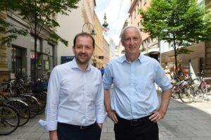 Vizebürgermeister Mag. Bernhard Baier (links) und WKO-Bezirksstellenobmann KommR Mag. Klaus Schobesberger setzen sich für regionale Linzer Wirtschaftsinitiativen ein. Foto: WKO / Röbl